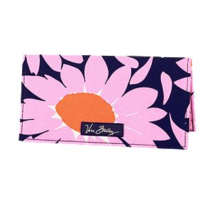 Vera Bradley Checkbook Cover in Loves Me