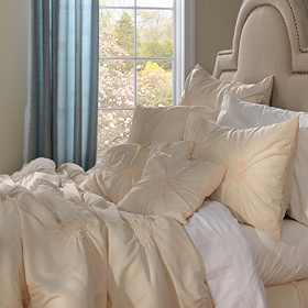 Pleated Vanilla 7-pc. Queen Comforter Set